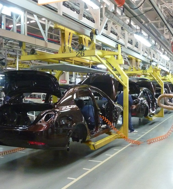 Geely_assembly_line_in_Beilun,_Ningbo.jpg