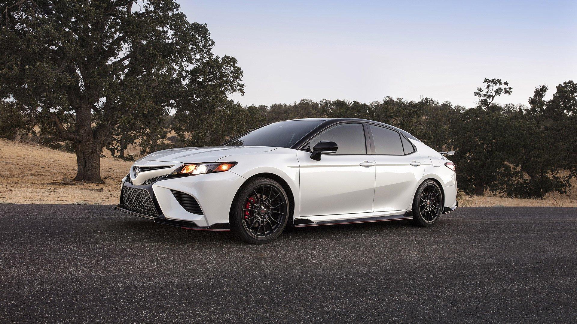 Toyota Camry 2020.jpg